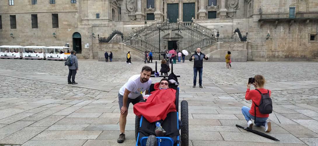 El equipo Julios llega al final del camino, Santiago de Compostela